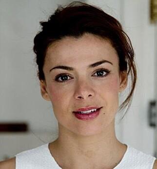 NASRIN KHUSRAWI: NRK Underholdning bør lage serier som speiler virkeligheten, mener skuespiller Nasrin Khusrawi. Foto: Privat