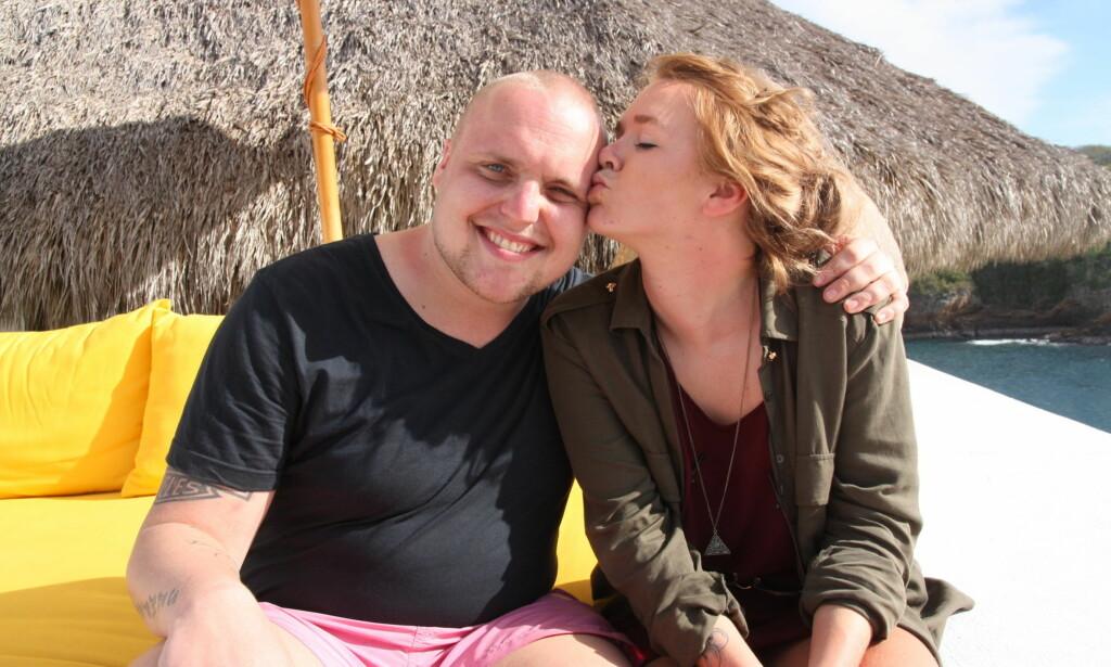 KLAR FOR PARADISE-COMEBACK: Stian Thorbjørnsen er klar for et comeback i TV3-serien «Paradise Hotel». Her er han avbildet sammen med tidligere vinner Vida Lill Gausemel Berge i Mexico. Foto: Sølve Hindhamar.