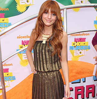 BARNESTJERNE: Bella Thorne som 14-åring på Nickelodeon Kids' Choice Awards i 2011. Foto: NTB Scanpix