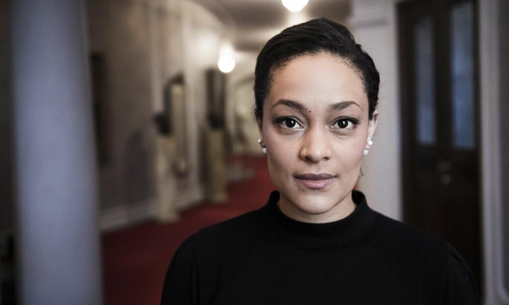 ISELIN SHUMBA: Det er ikke oppsiktsvekkende at ingen med innvandrerbakgrunn ble castet til «Nesten voksen», mener skuespiller Iselin Shumba. Foto: Lars Eivind Bones / Dagbladet