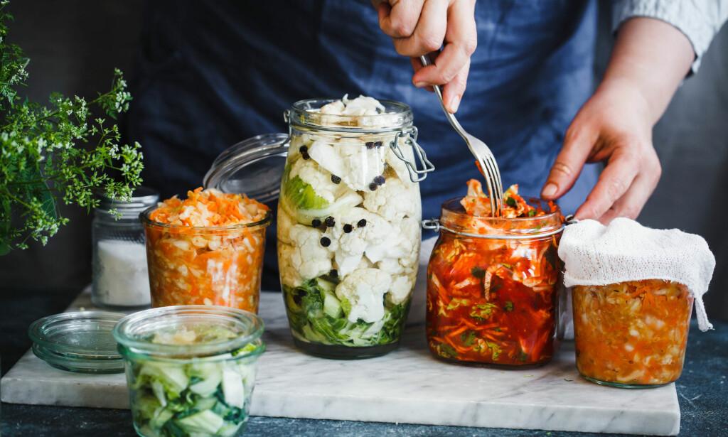 FERMENTERT: Sunne matvarer som er snill med tarmen, som kimchi, er spådd å bli en av de store mattrendene i 2018, men vil vi spise det? Illustrasjonsfoto: Casanisa / Shutterstock / NTB scanpix