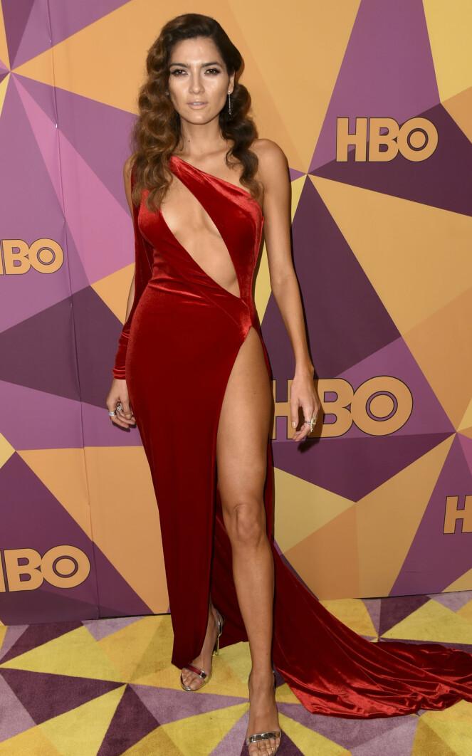 <strong>UTFORDRENDE:</strong> Blanca Blanco stilte i en vågal kjole under Golden Globe, mens de fleste av stjernene dukket opp i svart. Foto: NTB Scanpix