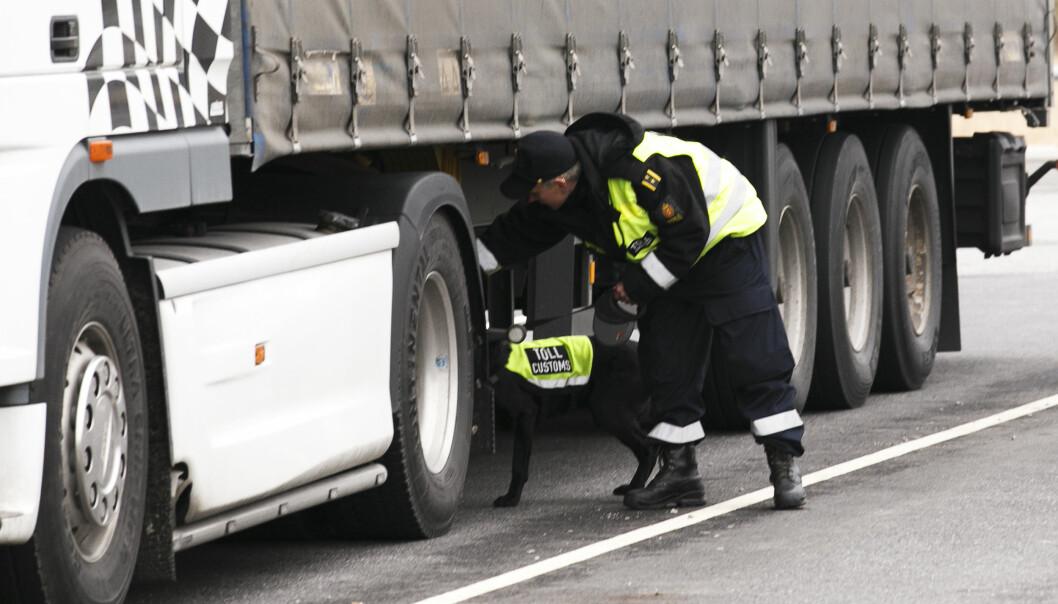 GJEMT OVERALT: Alle hulrom brukes til å frakte ulovlige varer. Sjåførene får et til halvannet års fengsel i Norge. Deretter blir de utvist. Foto: Heiko Junge/NTB Scanpix