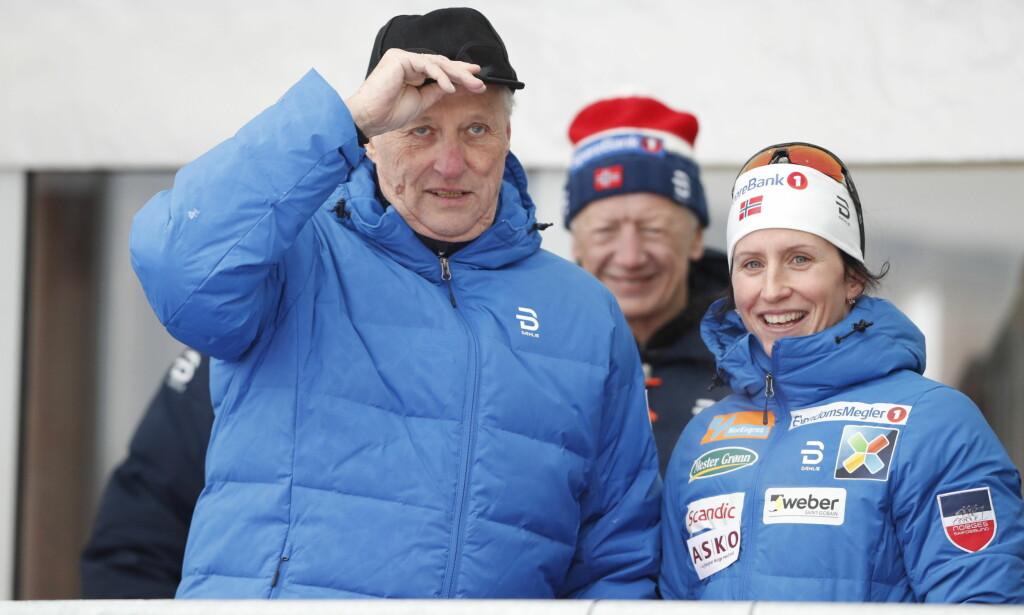 GULL: Marit Bjørgen ble NM-dronning og fikk en velfortjent gratulasjon fra Kong Harald. Foto: Bjørn Langsem / Dagbladet