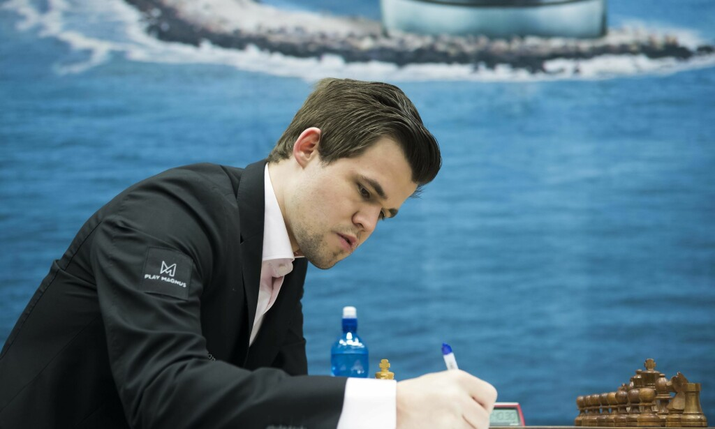 REMIS: Magnus Carlsen spilte remis for fjerde gang på rad. Foto: AFP PHOTO / ANP / Koen Suyk