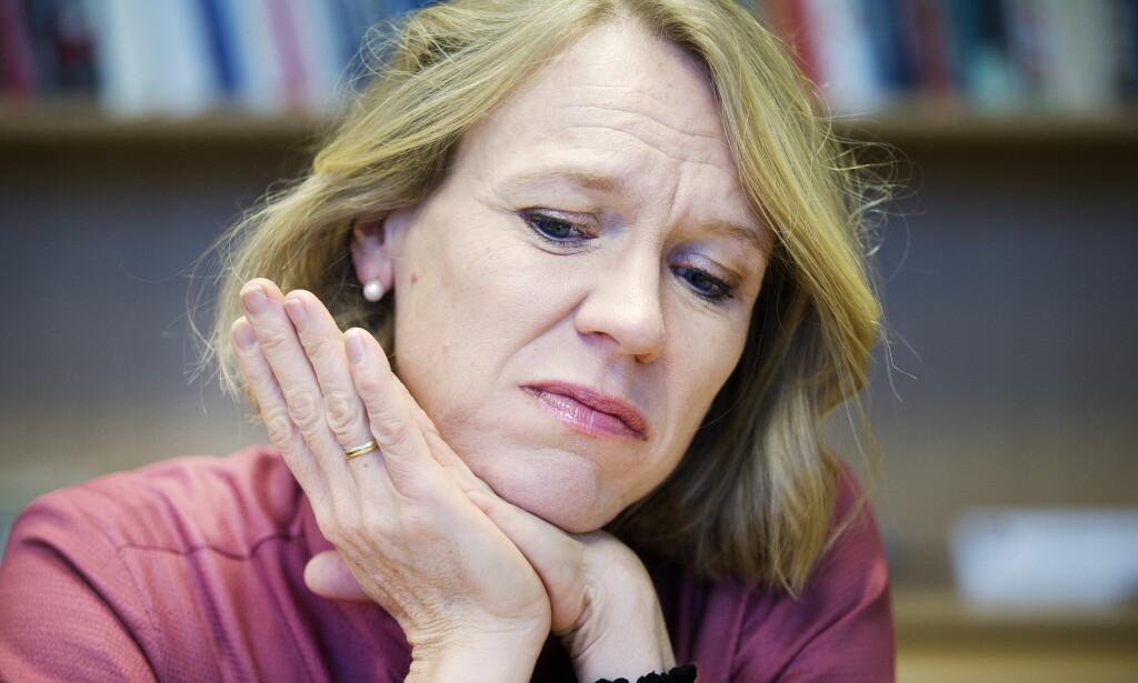 TAKKER KVINNENE: Leder av Aps kvinnenettverk Anniken Huitfeldt sier metoo-kampanjen har bidratt til at terskelen for å varsle om uønsket oppmerksomhet og sex-trakassering har blitt lavere. Hun takker kvinnene som har varslet om upassende oppførsel fra Trond Giske, og mener Ap kommer styrket ut etter metoo-kampanjen. Foto: Henning Lillegård / Dagbladet .