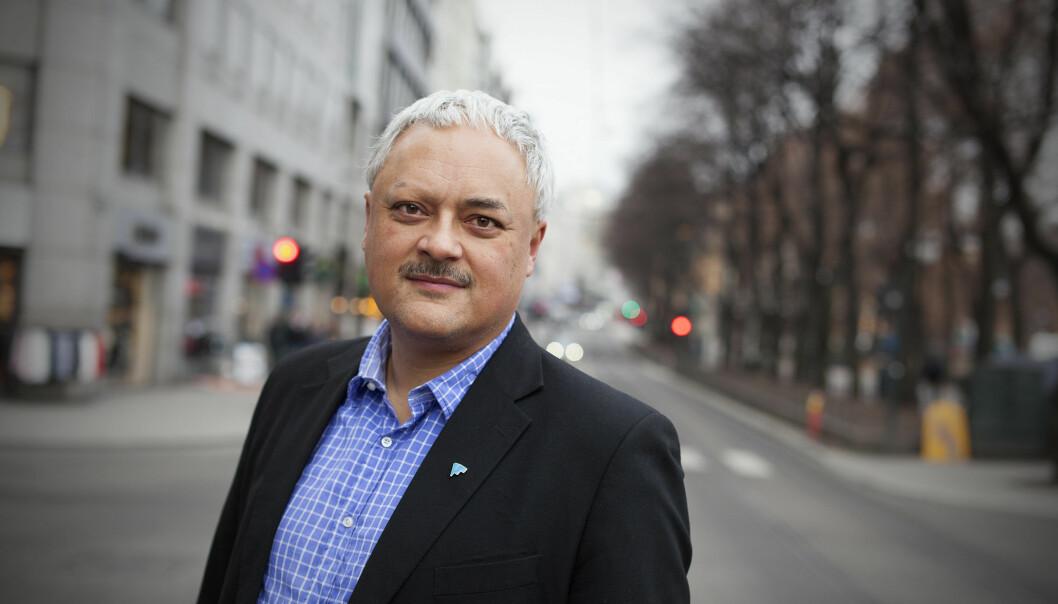 <strong>SKUFFET:</strong> Jorge Jensen i Forbrukerrådet er skuffet over at store banker, som DNB og Skandiabanken, slipper inn fond i aksjesparekontoene sine som ikke samsvarer med deres egne krav til etikk og bærekraft. Foto: Kjell Håkon Larsen.