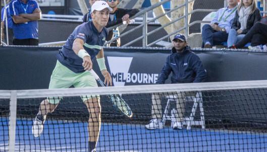 KJEMPER HARDT: Casper Ruud har det tøft mot Quentin Halys i første runde av Australian Open. Foto: Lars Eide / NTB Scanpix