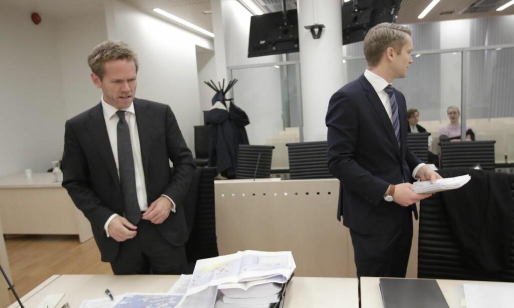 RETTIGHETSBESTEMMELSE: Når spørsmålet om Grunnlovens § 112 er en rettighetsbestemmelse av menneskerettslig karakter ble et sentralt tema under tingrettssaken, skyldes dette en uholdbar og vidløftig argumentasjon fra regjeringsadvokat Fredrik Sejersted (t.v.), skriver artikkelforfatteren. Foto: Lise Åserud / NTB Scanpix