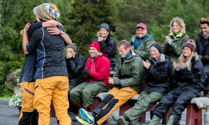 <strong>VISSTE HVA SOM FOREGIKK:</strong> Frank Løke (med gul bukse i bakgrunnen) visste nøyaktig hva som ville skje under tvekampen. Foto: Alex Iversen / TV 2