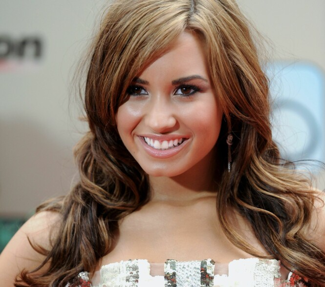 <strong>MISBRUKTE KOKAIN:</strong> Demi Lovato prøvde sitt første ulovlige rusmiddel 17-åring, og hun legger ikke skjul på at hun elsket det. Her avbildet som 17-åring under premieren av filmen «Camp Rock 2 ». Foto: NTB Scanpix
