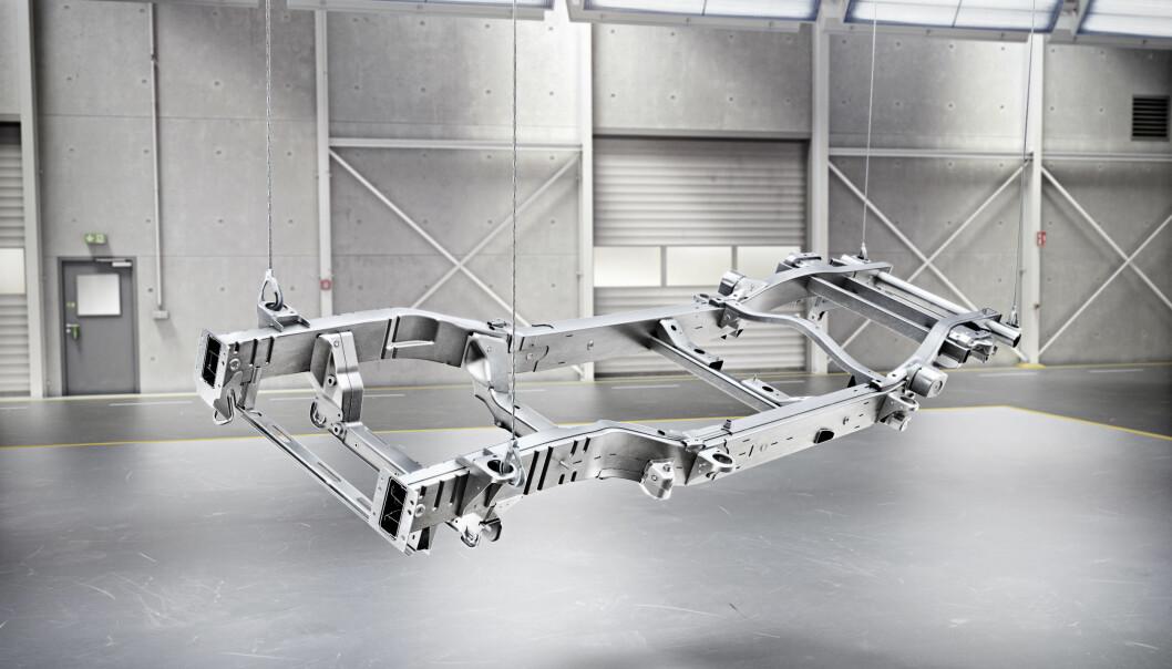 <strong>RAMME:</strong> Som tidligere er G-klasse et rammebygg. Men teknologien er topp moderne og vektbesparelsen anselig. Foto: Daimler