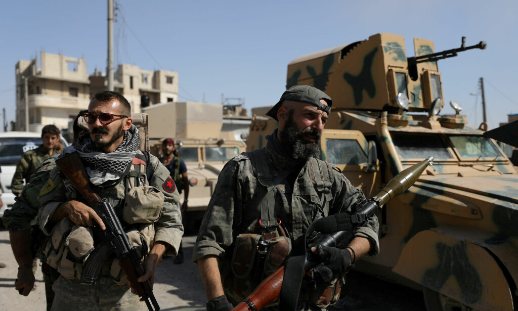 OMDISKUTERT HÆR: Soldater i De syriske demokratiske styrkene (Syrian Democratic Forces - SDF) var med og frigjorde IS-hovedstaden Raqqa. Her i byen i oktober 2017. Foto: Rodi Said / Reuters / Scanpix