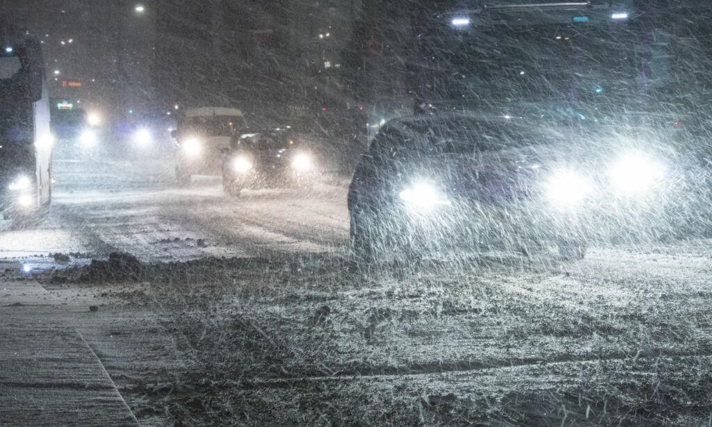 image: Snøkaos på Østlandet. Skien setter kriseledelse: - Bekymret for at folk spar seg fordervet