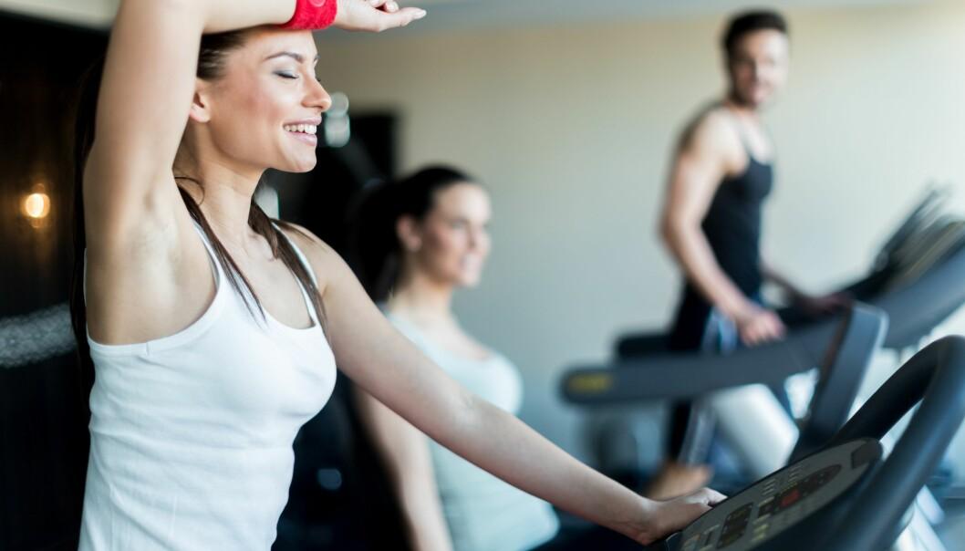 FRIKSJON OG TRENINGSTØY: Svette treningsklær bør byttes ut kjapt etter trening om du sliter med kviser på overkroppen. FOTO: NTB Scanpix
