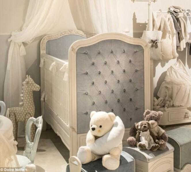 BARNEROM I MILLIONKLASSEN: Denne krybben, fra luksusmerket Dolce Notte, skal Kim ha kjøpt inn til lille Chicago. Foto: Dolce Notte.