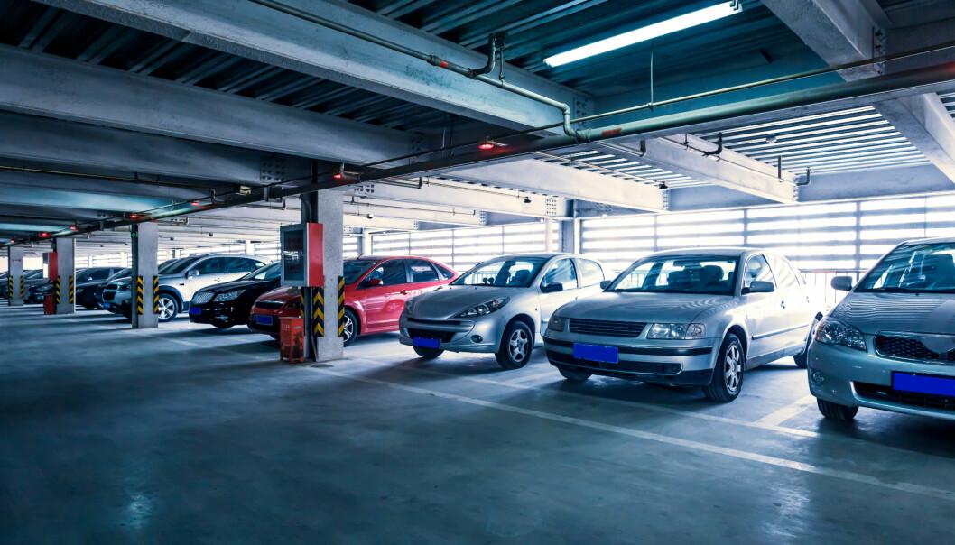 <strong>FELLESLADING:</strong> Smarte løsninger som fordeler ladingen over tid og på antallet biler kan hindre at man blir nødt til å betale ekstra. Foto: 06photo/Shutterstock/NTB scanpix
