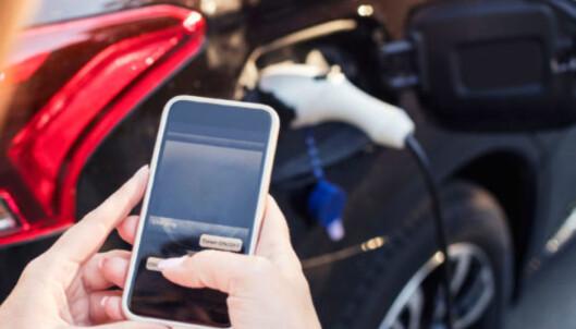 <strong>TEKNOLOGI:</strong> Digitale verktøy sikrer optimal fordeling av strømressursene til garasjeanlegget. Foto: Lad24.no