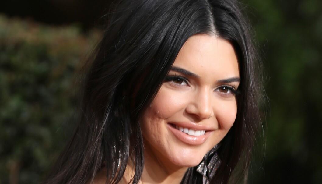 <strong>GOLDEN GLOBES:</strong> Kendall Jenner måtte tåle masse hat på Twitter på grunn av hennes akne. Foto: Scanpix
