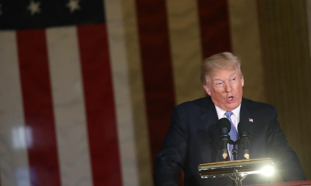 «FAKE NEWS»: Donald Trump har annonsert sin pris for falske nyheter. Foto: Mark Wilson / Getty Images / AFP / NTB scanpix