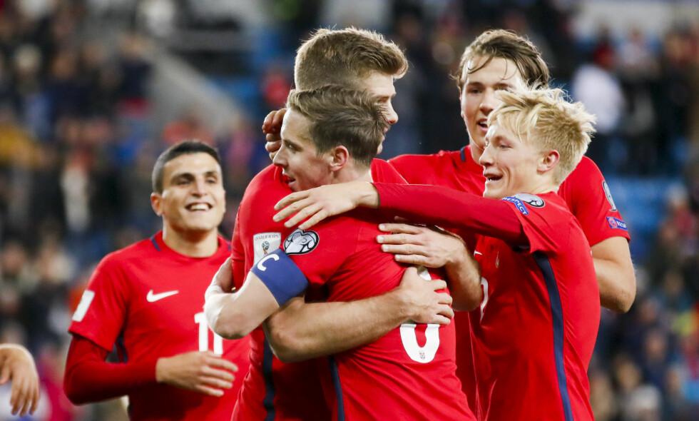 RYKKER OPP: Norge rykker opp til 58.-plass på FIFA-rankingen. Her fra 1-0-seieren mot Nord-Irland i VM-kvaliken. Foto: Cornelius Poppe / NTB scanpi