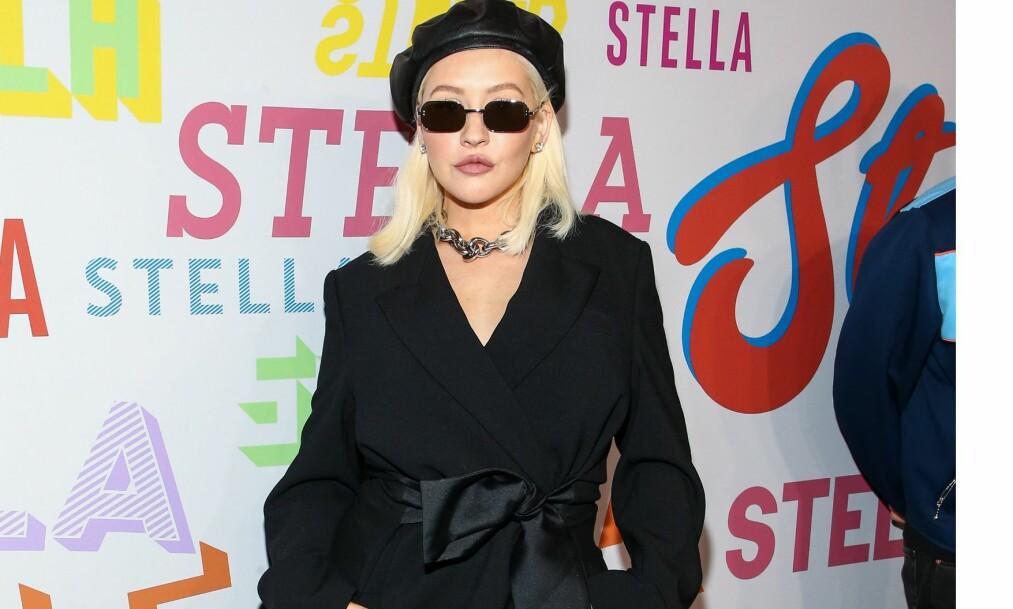 FASJONABEL DAME: Popstjernen dukket opp på lanseringen av den nye vårkolleksjonen til Stella McCartney. Foto: NTB scanpix