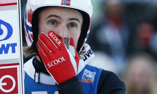 image: De norske OL-heltene disket for feil på hoppdressene