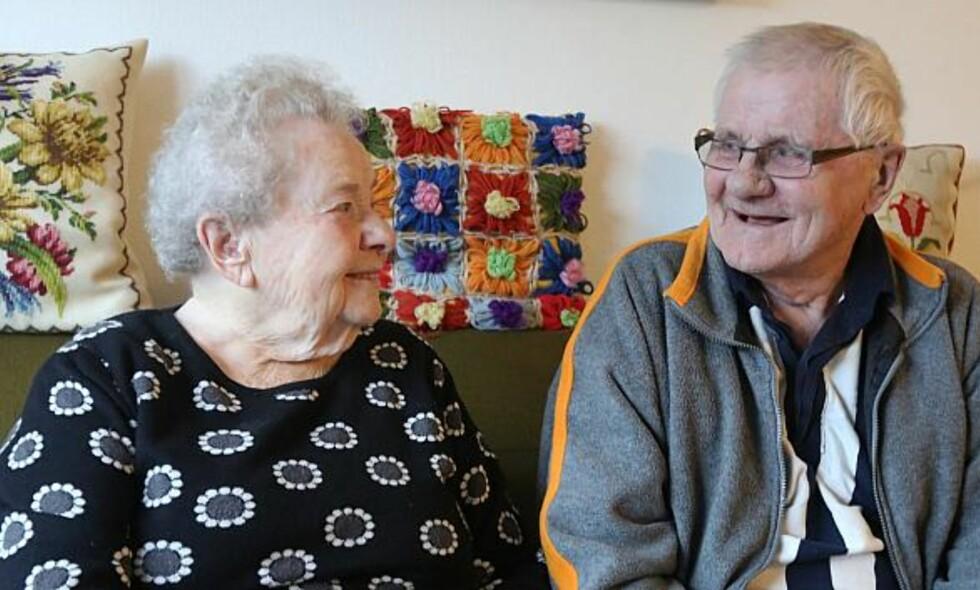 GLEDE: Agnes Olesen og Bent Holst finner stor glede i hverandres selskap. Foto: Per Algreen / Horsens kommune
