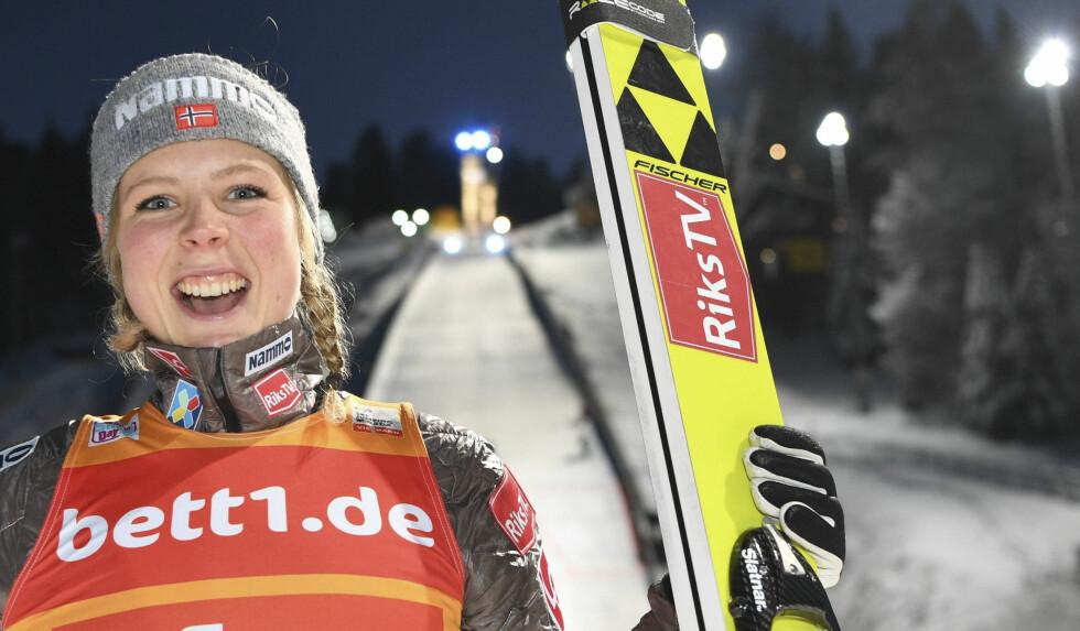 UTKLASSING: Maren Lundby tok en suveren seier i japanske Zao. Hun leder verdenscupen. Foto: Felix Kaestle / AP / NTB Scanpix