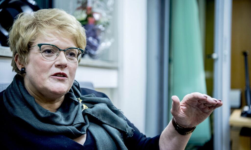 image: Teaterstykke henger ut Frp-ere som rasister: Kulturministeren vil ikke gripe inn