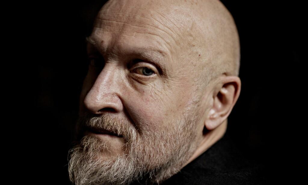 UTMATTET: Forfatter Lars Saabye Christensen fikk en kreftdiagnose mens skrev ferdig trilogien «Byens spor». - Det ser bra ut, og det er jeg glad for. Men jeg er litt utmattet. Både fysisk og mentalt, sier han. Foto: Jørn Moen
