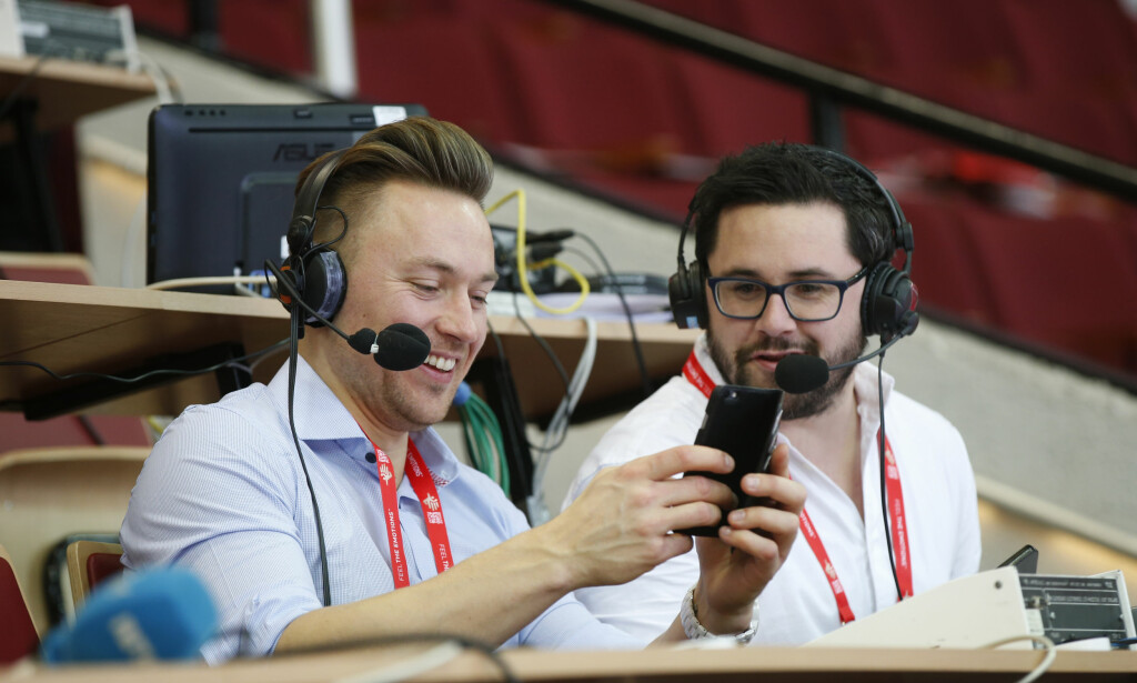 NRK-DUO: Tidligere landslagsspiller, Håvard Tvedten, er NRKs ekspertkommentator. Her med kommentator Patrick Sten Rowlands. NRK sender kampene på radio. Foto: Vidar Ruud / NTB scanpix