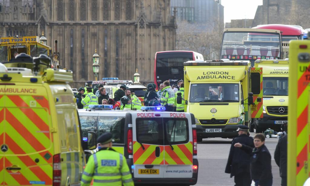 TERROR: Forsikringsselskapene mener selv de har lagt terskelen for evakuering lavt. Etter terroren i London sist år, fikk mange tilbud om å reise hjem. Foto: NTB Scanpix