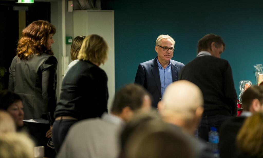 Sykkelpresident Harald Tiedemann Hansen og det sittende styret i NCF må forlate lokalet på grunn av innhabilitet under det ekstraordinære forbundsstinget