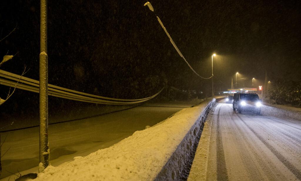 STRØMLØST: Over 1500 kunder er uten strøm i Agder, Telemark og Vestfold. Foto: Tor Erik Schrøder / NTB scanpix