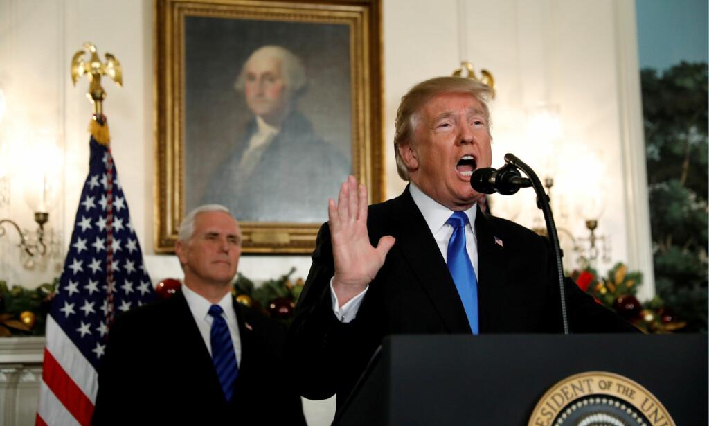 NY AVSTEMNING: I natt skal Demokratene og Republikanerne gjøre et nytt forsøk på å komme til enighet. I forkant rasler Trump med sablene og foreslår drastisk regelendring. Foto: Kevin Lamarque / Reuters / NTB Scanpix