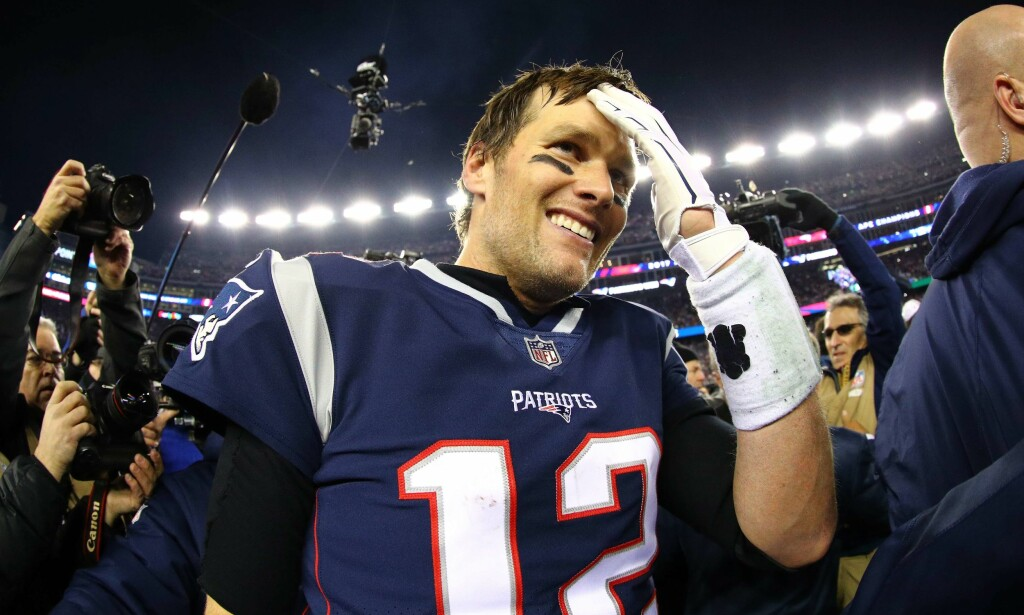 TOK ANSVAR: Skadd hånd til tross, Tom Brady leverte og var viktig for New England Patriots, som tok seg til Superbowl. Foto: Maddie Meyer/Getty Images/AFP
