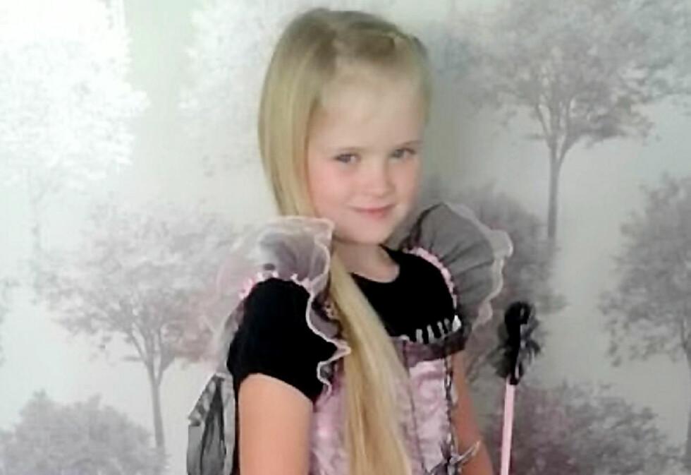 DREPT: Åtte år gamle Mylee Billingham ble funnet hardt skadd i en leilighet utenfor Walsall i England, og døde kort tid etter på sykehuset. The Telegraph skriver at den 54 år gamle faren hennes er arrestert. Foto: Politiet