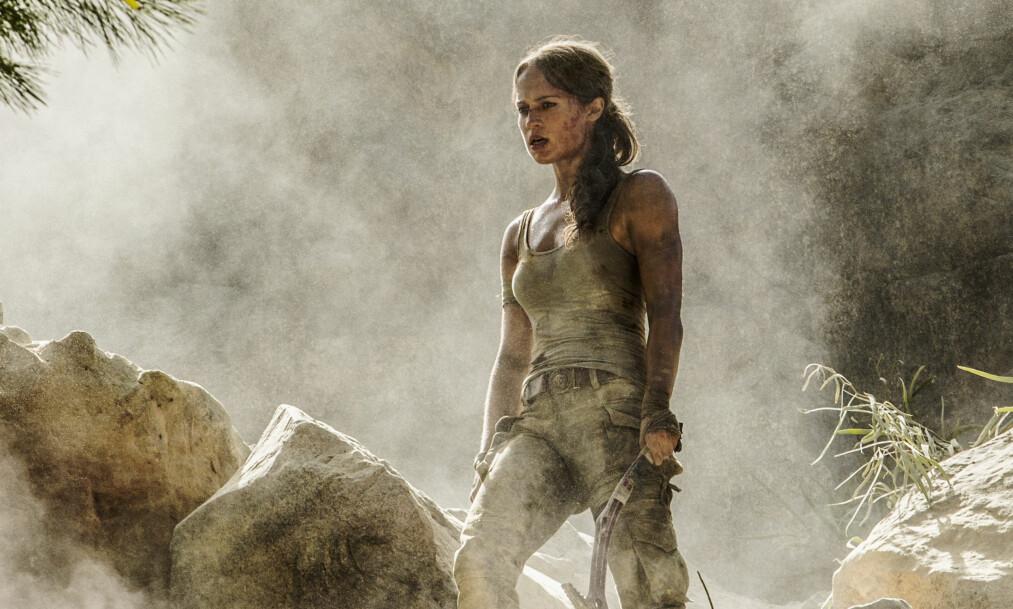 GJENSYN MED LARA: Vi møter en yngre og kampsporttrenende Lara Croft i den nye filmen om spillheltinnen, som kommer på kino i vår.