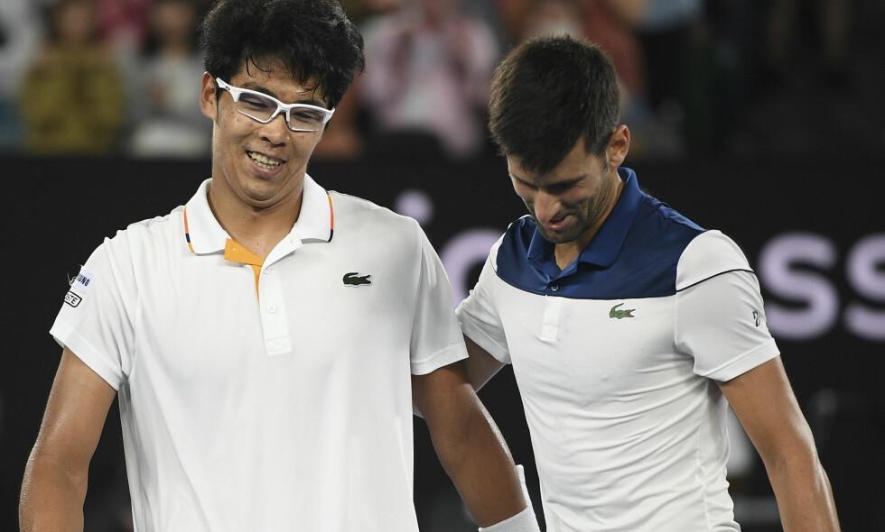 UTE: Sørkoreanske Chung Hyeon slo Novak Djokovic ut av Australian Open. Foto: AP Photo/Andy Brownbill