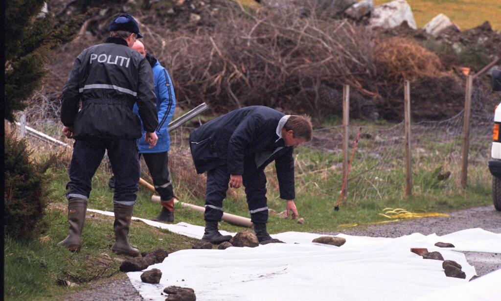 FORTSATT ULØST: Politiet etterforsker åsted der Birgitte Tengs ble funnet drept i 1995. Drapet er fortsatt uoppklart og et av Norges mest omtalte. Siden 2012 er det ingen uoppklarte drap. Foto: Dagbladet