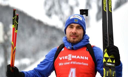 TROLIG UTE: Skiskytteren Anton Sjipulin. Foto: AFP PHOTO / Alberto PIZZOLI