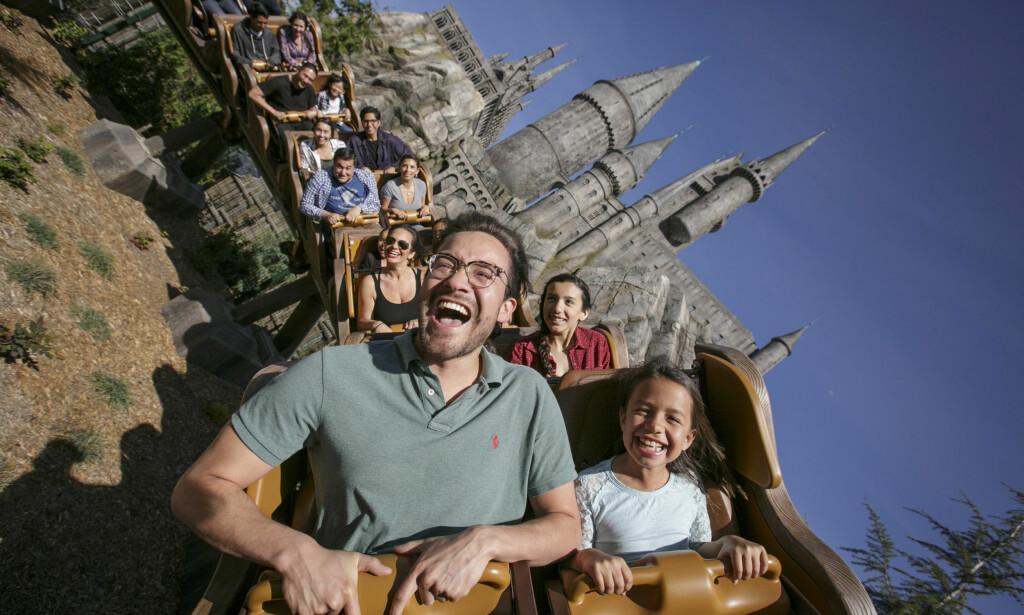 FOR HELE FAMILIEN: Mange av filmene som har fått egne temaer i Universals fornøyelsespark har 16-års grense på kino. Det gjelder heldigvis ikke attraksjonene i parken. Foto: Universal Studios