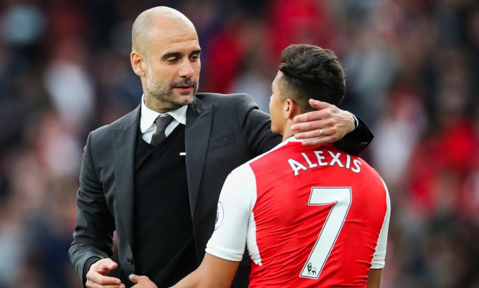 JOBBET SAMMEN: De fleste trodde at Pep Guardiola og Alexis Sanchez ville bli gjenforent i Manchester City. I stedet var det naborival Manchester United som snappet spilleren. Foto: BPI/REX/Shutterstock/NTB Scanpix