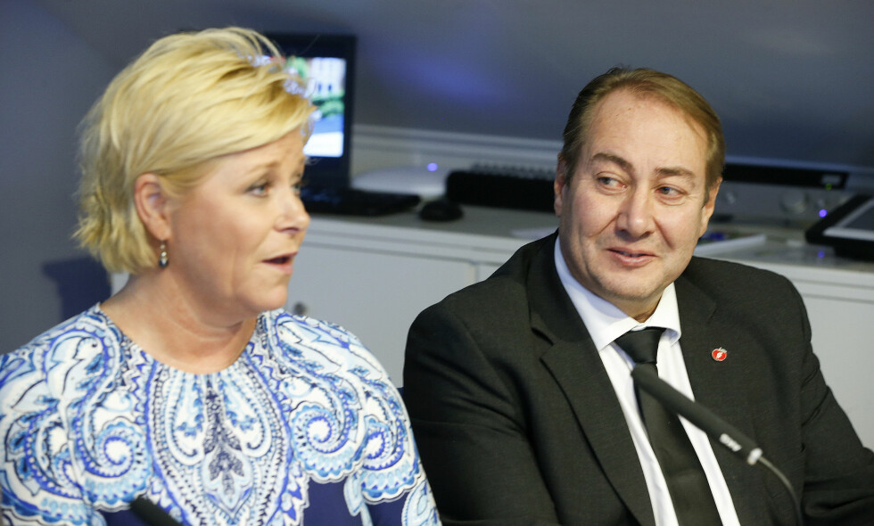 ORDKNAPPE OM VARSLING: Partileder Siv Jensen og assisterende generalsekretær Øistein Lid. Foto: Terje Pedersen / NTB Scanpix
