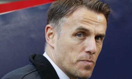 image: Phil Neville overtar Englands kvinnelandslag