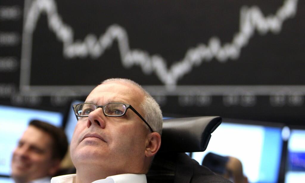 GRUNN TIL BEKYMRING: Finansverdenen er altfor selvtilfreds, mener finansnestor William White. Arkivbilde fra børsen i Frankfurt. Foto: Michael Probst / AP / NTB Scanpix