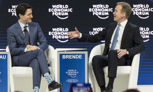 Justin Trudeau ble intervjuet av WEF-president, og tidligere utenriksminister i Norge, Børge Brende, i etterkant av tirsdagens tale. Foto: Laurent Gillieron / AP / NTB Scanpix