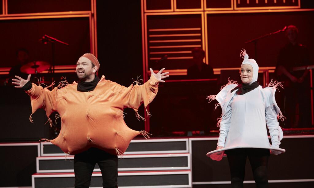 GLUTEN OG LAKTOSE: John Brungot som gluten, Henriette Steenstrup som laktose. Begge med terrorist-koblinger. Foto: Jarle Nyttingnes, Over Norge