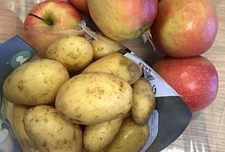LURT TRIKS: Epler og poteter kan oppbevares sammen og bidrar til at potetene ikke danner spirer. Kilde: matportalen.no